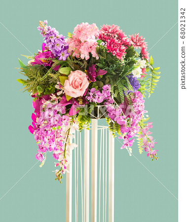 Flower on stand 68021342
