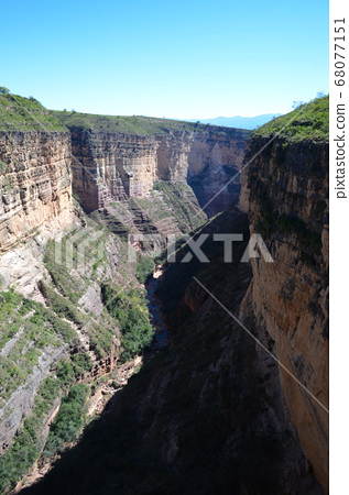 볼리비아 토로 토로 국립 공원의 협곡 68077151