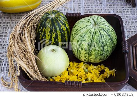 한국음식 및 야채 68087218