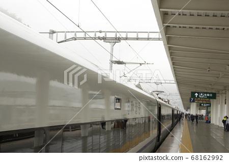 沿線高鐵月颱風景 68162992