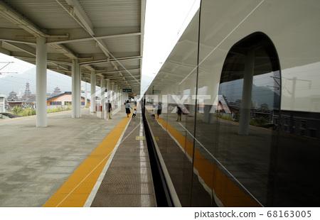 沿线高铁月台风景 68163005