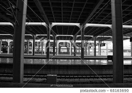 충칭 철도역 플랫폼 68163690