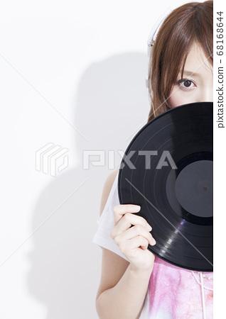 레코드와 여성 68168644