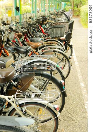 Bicycle parking space 68178004