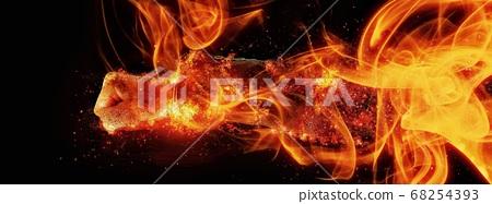 抽象的手包裹在火焰中 68254393