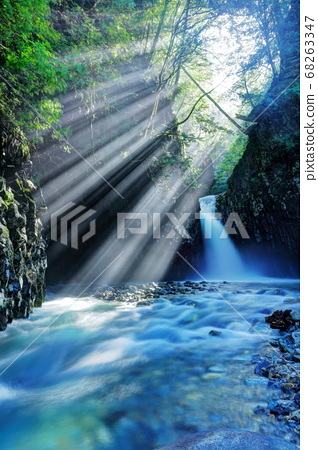 卡拉塔尼瀑布 68263347