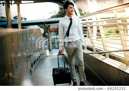 Smiling  Passenger Businessman Walking with 68285232