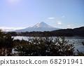 山梨縣川口湖附近的富士山風光 68291941