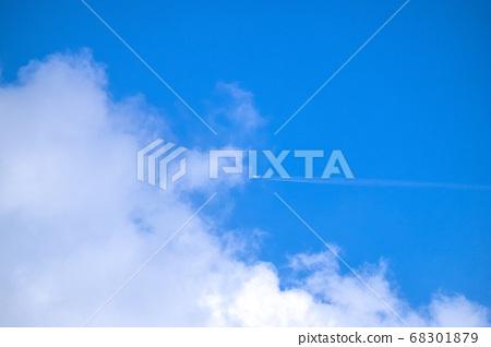 푸른 하늘과 구름과 히코와 히코 키 구름 68301879
