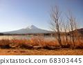 山梨縣川口湖附近的富士山風光 68303445