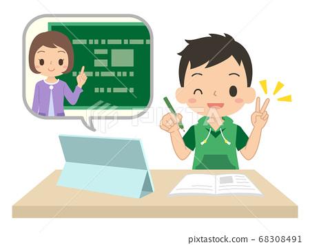 男孩用平板电脑在线学习在线课堂和平标志图 68308491