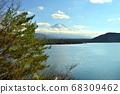 山梨縣本栖湖附近的富士山 68309462