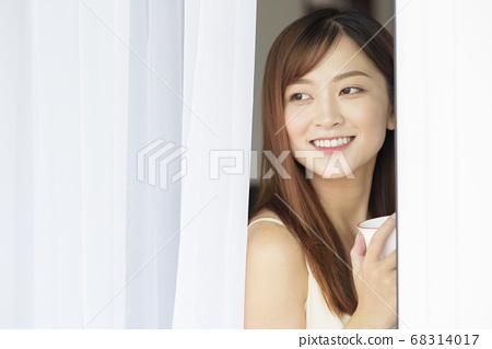 Female lifestyle 68314017