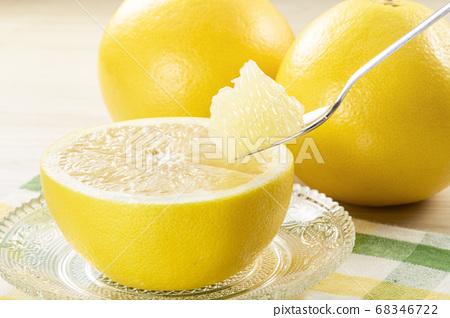 勺子新鮮葡萄柚 68346722