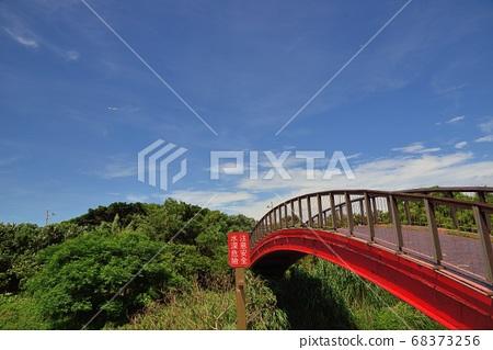 台灣人島般的海濱景觀。 68373256