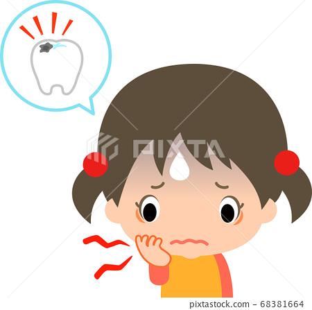 一個女孩因蛀牙而holding著臉頰 68381664