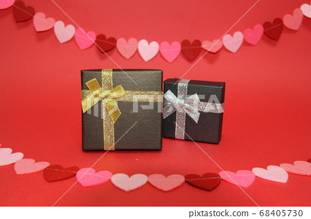 Gift box and shopping theme 68405730