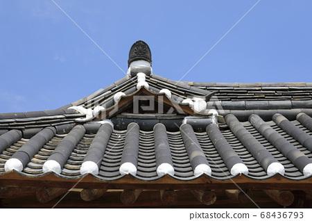 한국의 아름다운 기와가 보이는 풍경 68436793