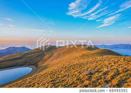 台灣高山湖泊-天使的眼淚 嘉明湖 日出 68493301