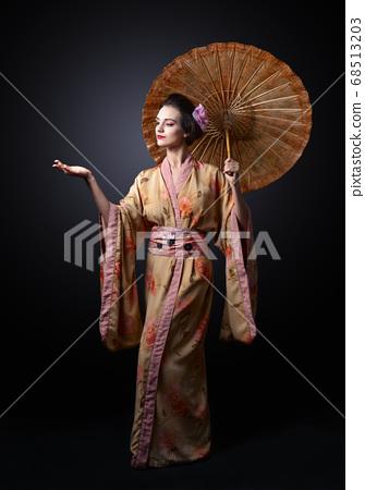beautiful woman in traditional Japanese kimono 68513203