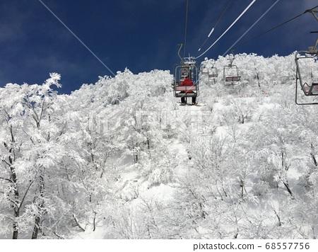 핫 카이 산의 정상 리프트 68557756