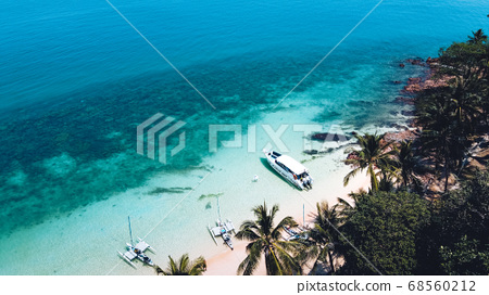 Clear water on the island Bright blue sea 68560212