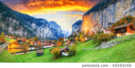Captivating autumn view of Lauterbrunnen valley 68568206
