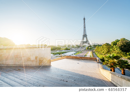 Eiffel Tower at sunrise, Paris, France 68568357