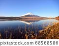 山梨縣山中湖附近的富士山風光 68568586