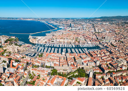 Old Port in Marseille, France 68569928