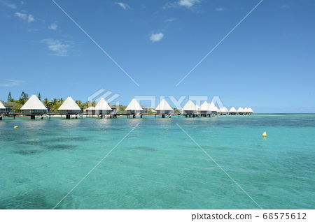 Water cottage in New Caledonia 68575612