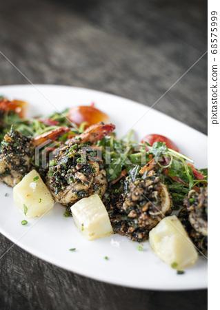 spicy stir fried prawns with garlic and kampot 68575999