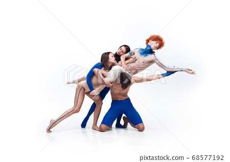 The group of modern dancers, art contemp dance, blue and white combination of emotions 68577192