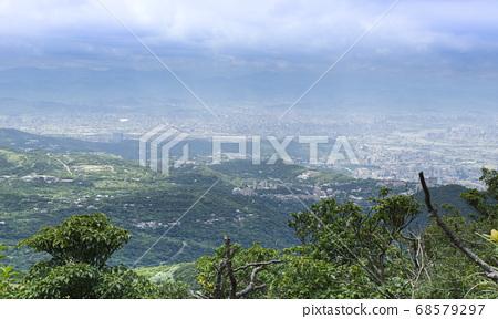 七星山俯瞰台北城 68579297
