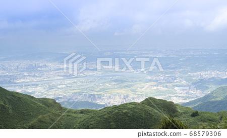 七星山俯瞰台北城 68579306