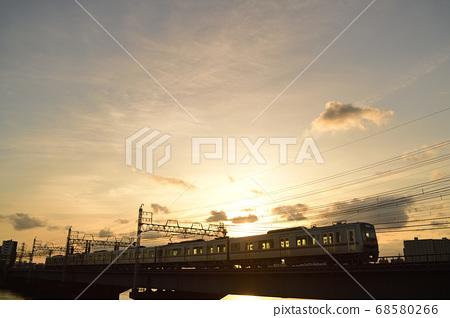 황혼의 나카가와 교량을 통과 게이 세이 전철 68580266