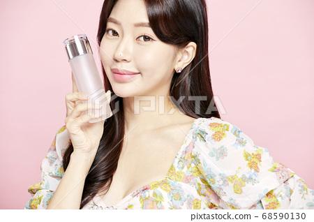 젊은여자,뷰티,미용,패션,핑크배경 68590130