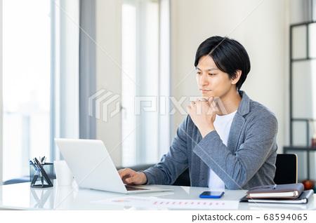 遠程辦公Male PC Lifestyle Casual 68594065