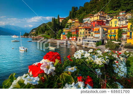 Gorgeous cityscape and harbor with boats, Varenna, lake Como, Italy 68601700