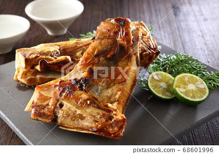 金槍魚烤牛肉 68601996