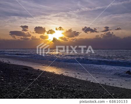 台東海邊的日出 68610133