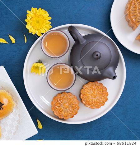 月餅 中秋節 頂視圖 Moon cake Mid-Autumn Festival げっぺい 十五夜 68611824