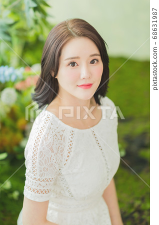 Women's natural beauty concept, beautiful young woman with clean perfect skin. summer skin care. 160 68631987