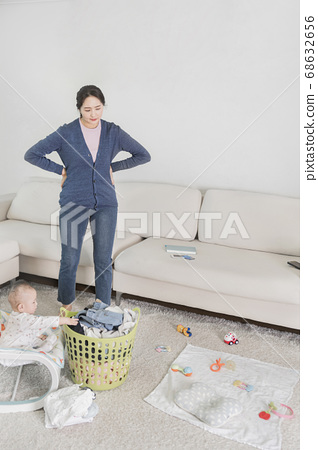 Modern young family concept, young mother and father with newborn 286 68632656