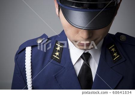Fake police officer 68641834