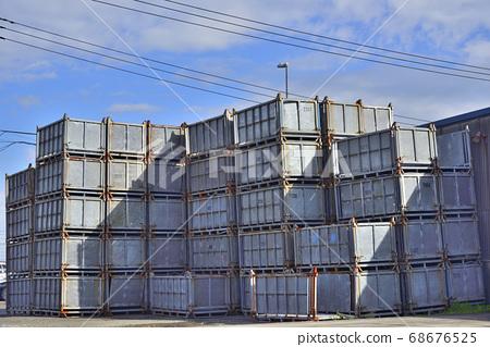[Kanagawa] Yokosuka Container near the port 68676525