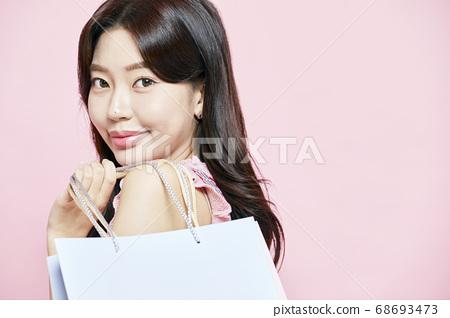 쇼핑,쇼핑백,선물,드레스,원피스,젊은여자 68693473