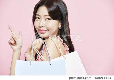 쇼핑,쇼핑백,선물,드레스,원피스,젊은여자 68694413