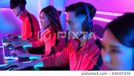 pro cyber sport gamers team 68695936