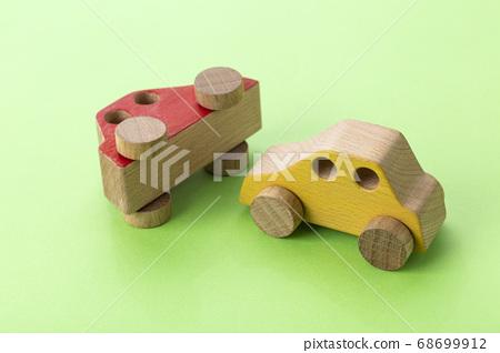 자동차 교통 사고 68699912